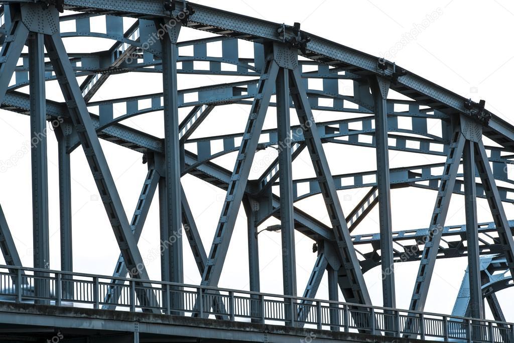 steel Support structure above bridge
