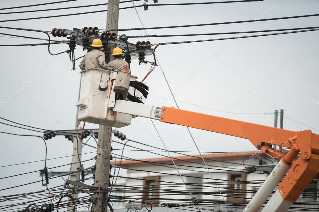 Elektriker Verkabelung Kabel auf Stromleitung — Stockfoto © ByLove ...