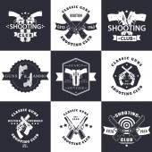 Fotografie Shooting Club, Waffen und Munition Vintage Embleme, Schilder mit gekreuzten Revolver, Gewehre, Pistolen, Logo mit Handfeuerwaffen, Vektor-illustration