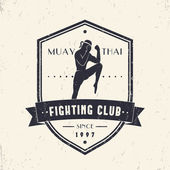 Photo Muay Thai Fighting Club vintage emblem on shield, logo, t-shirt design, vector illustration