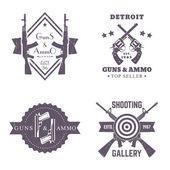 Fotografie Waffen und Munition, Vintage Logos gesetzt, Abzeichen mit automatischen Gewehren, gekreuzte Revolver, zwei Pistolen, Galerie Logo Schießen, Schild mit Sturmgewehren auf weiß