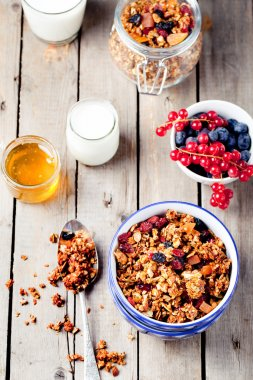 Nuts and flax seeds granola