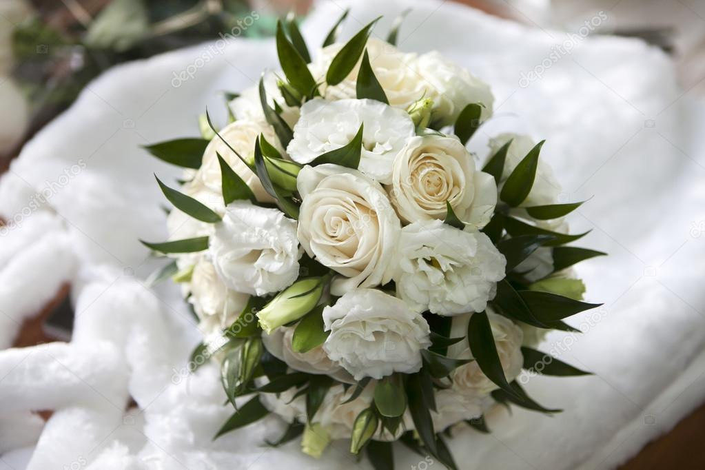 Bouquet Sposa Lisianthus.Wedding Bouquet With Rose And Lisianthus Stock Photo