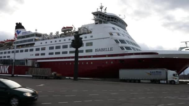 Személyszállítás tengerjáró hajó kikötő