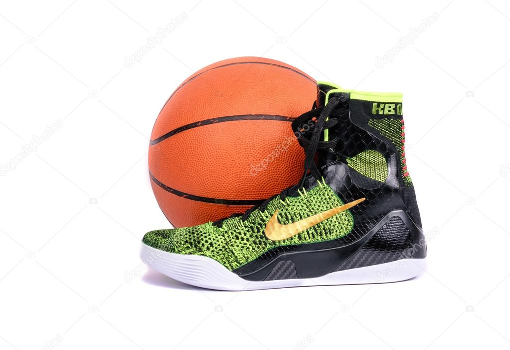 High-top classic Nike AF-1 basketball shoes sneakers — Stock Photo