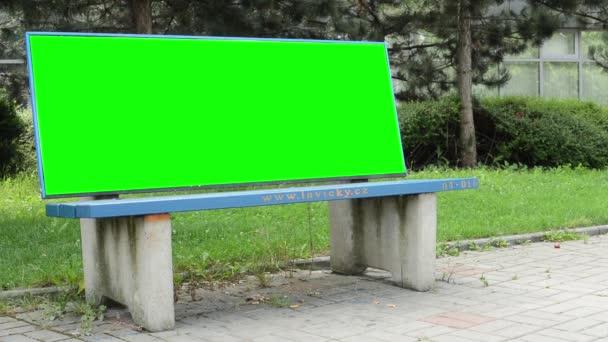 venkovní lavička - billboard - zelená obrazovka