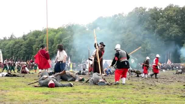 Vojáci bojovat každý jiné - vojensko - bojiště (armádní síly) - bojiště
