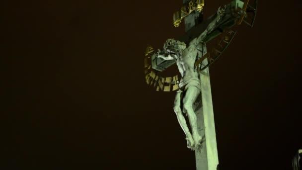 Ukřižovaného Ježíše Krista - noční - světla
