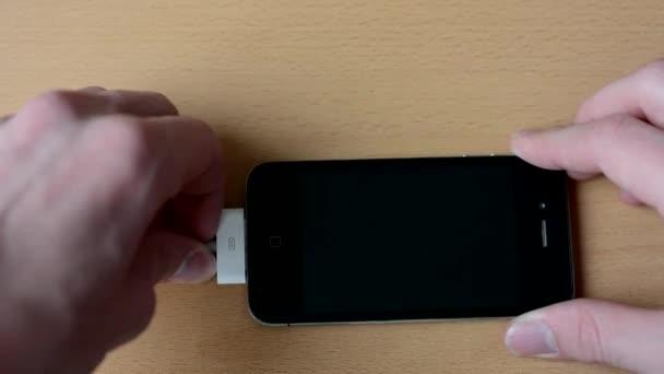 Odpojit kabel od smartphone