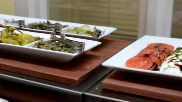 Tabulka s rýží a potraviny - bufet - bageta se šunkou