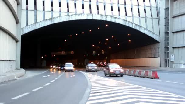 Tunel s automobily - timelapse