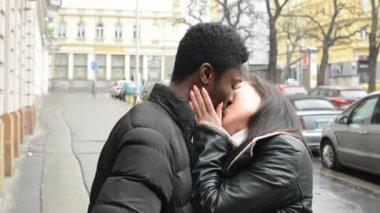 weiße und asiatische Datierung