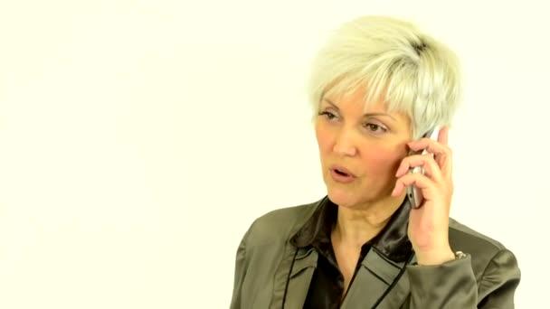 Unternehmen Mitte alte Frau (ernste Gesicht) - weißer Hintergrund - Telefonstudio