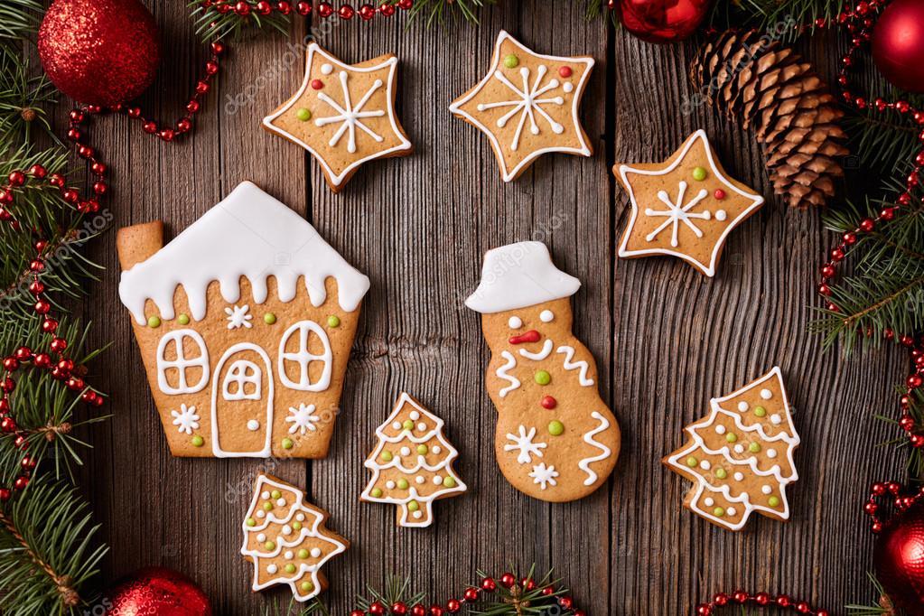 Lebkuchenplätzchen Haus, Tannenbäume, Sterne und Schneemann ...