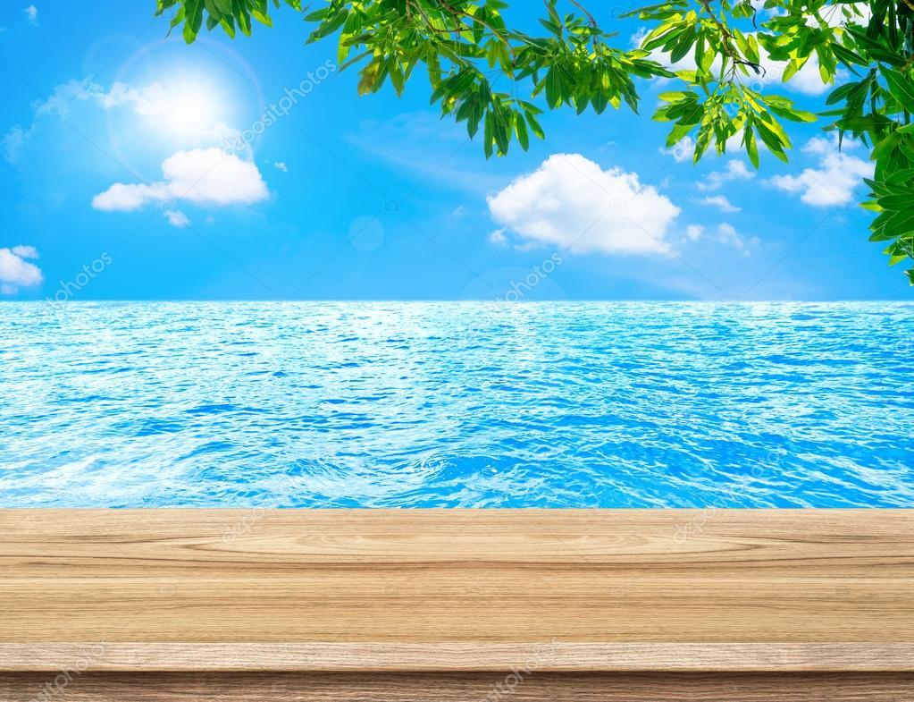 Leere Holz Tisch und Baum-Blätter — Stockfoto © weedezign #101087920