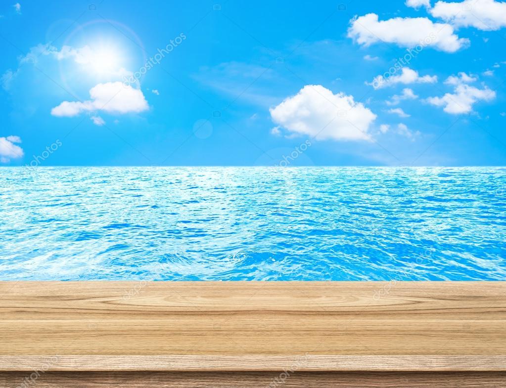 Fondos De Pantalla Del Mar: Vaciar Tabla De Madera Con Fondo De Mar Y Cielo, Simulado