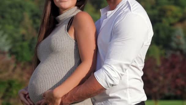 romantické chvíle pro těhotné pár