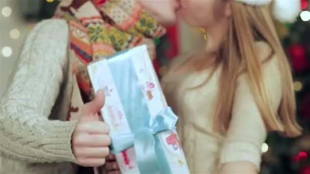 pár szerelem csók