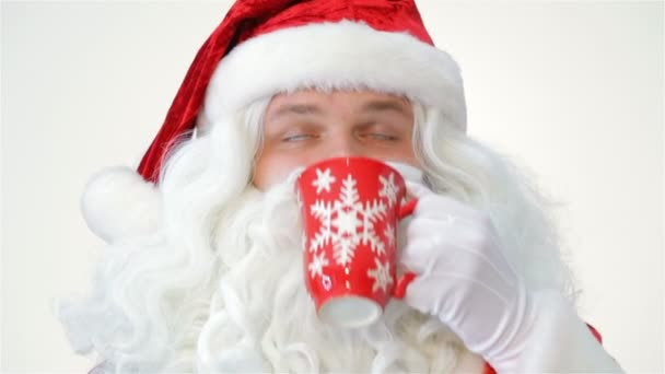 Santa egy piros pohár ital