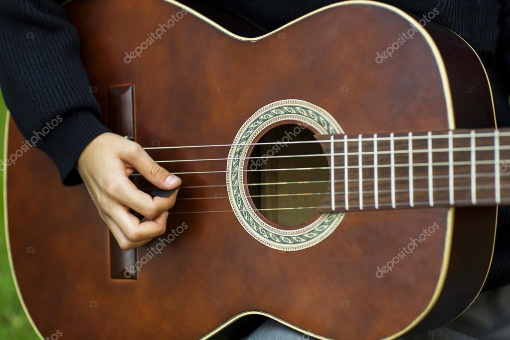 A Acoustic guitar
