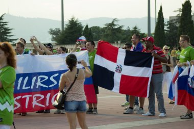Slovenia and Dominicana fans before mat