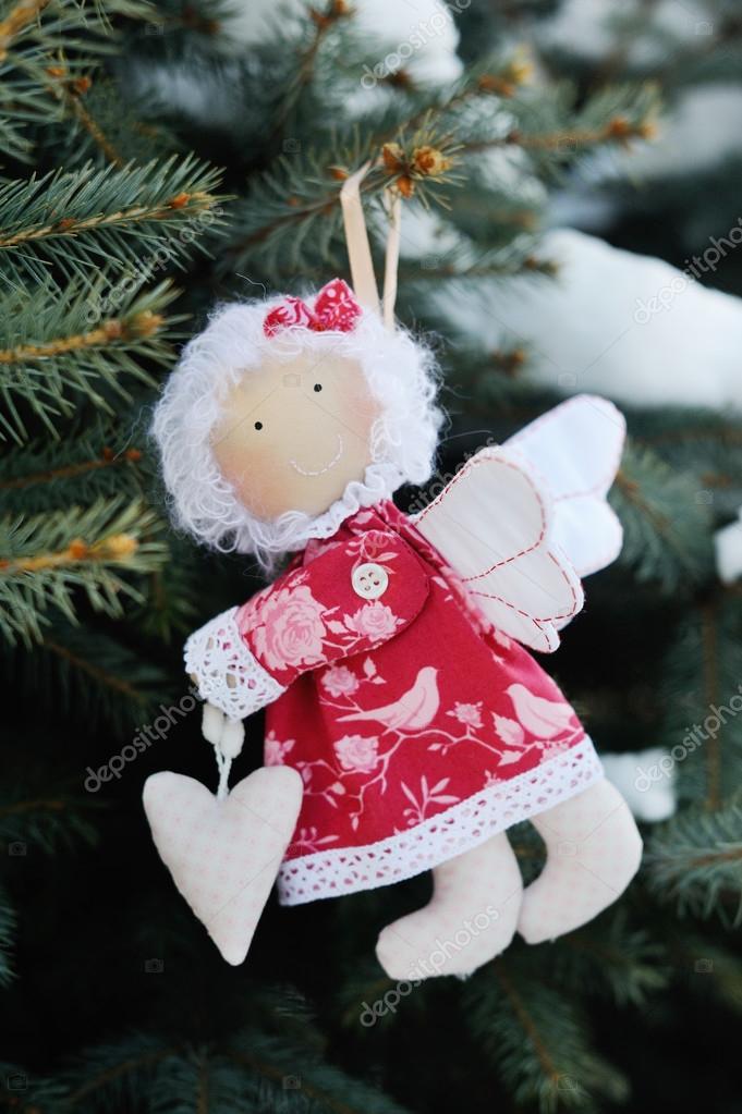 Ангел на рождественской елке