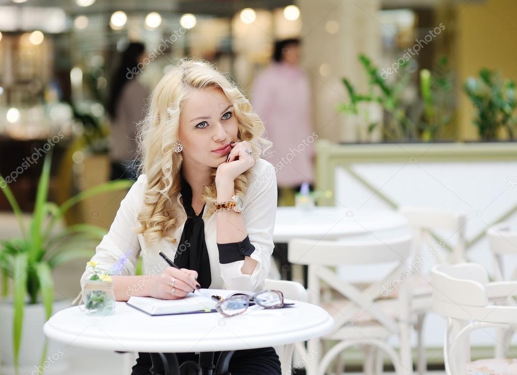 custom essay writing service online