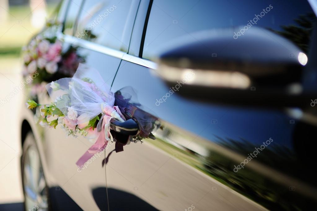 Dekoracje ślubne Na Drzwi Samochodu ślub Zdjęcie Stockowe
