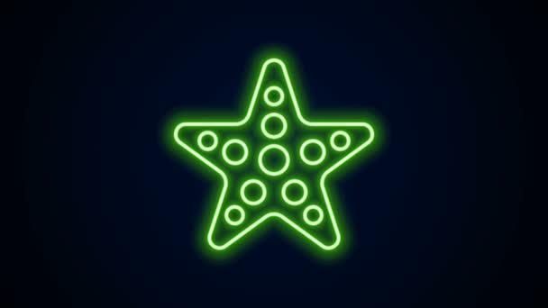 Ragyogó neon vonal Csillaghal ikon elszigetelt fekete háttérrel. 4K Videó mozgás grafikus animáció