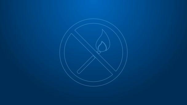 Bílá čára Žádná požární shoda ikona izolované na modrém pozadí. Žádný otevřený oheň. Hořící sirka v kruhu. Grafická animace pohybu videa 4K