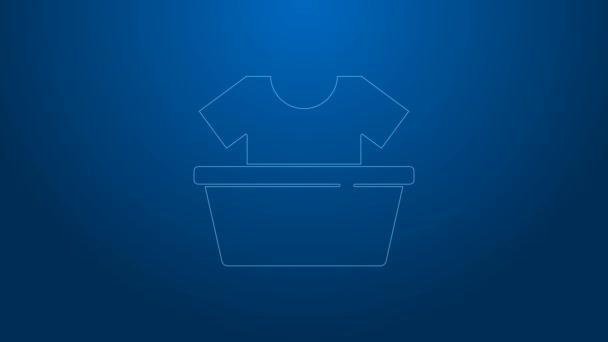 Weiße Linie Kunststoffbecken mit Hemdsymbol isoliert auf blauem Hintergrund. Schüssel mit Wasser vorhanden. Wäsche waschen, Ausrüstung reinigen. 4K Video Motion Grafik Animation