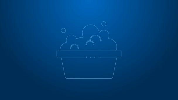 Weiße Linie Plastikbecken mit Seifenlauge Symbol isoliert auf blauem Hintergrund. Schüssel mit Wasser vorhanden. Wäsche waschen, Ausrüstung reinigen. 4K Video Motion Grafik Animation