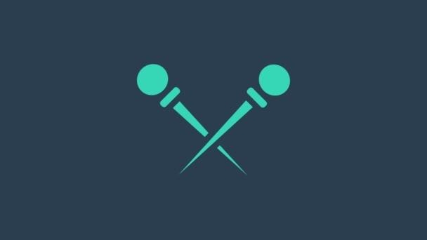 Türkis Stricknadeln Symbol isoliert auf blauem Hintergrund. Etikett für Handarbeit, Stricken oder Schneiderei. 4K Video Motion Grafik Animation