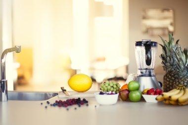 Smoothie Kitchen Preparation