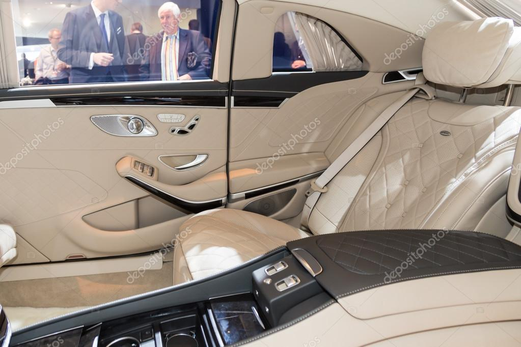 2015 Mercedes Maybach S600 Pullman Stock Editorial Photo