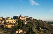 Fotografia View over Citta Alta or Old Town buildings
