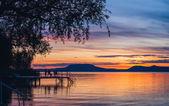 Barevný západ slunce na jezeře Balaton jsem