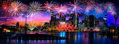 Bokeh özgeçmişi olan renkli bir havai fişek. Yeni yıl kutlaması, soyut tatil geçmişi