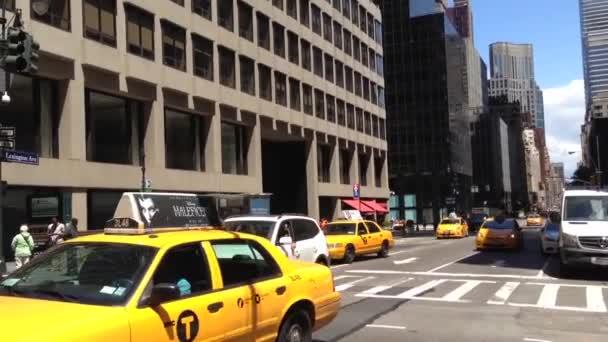 taxi v centru Manhattanu, new york city, usa