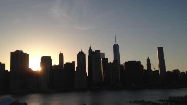 Manhattan panorama západ slunce, New York City, USA