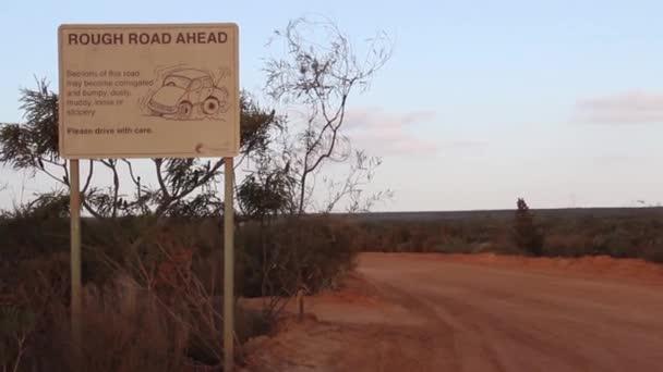 hrbolaté silnici vpřed v kalbarri povahy okna, západní Austrálie