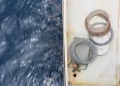 Rasiermesser auf dem Frachtschiff-Deck