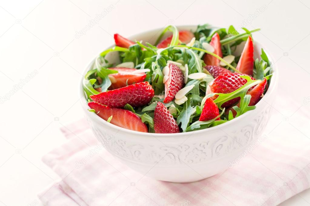 Vegan salad with strawberries