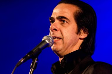 Nick Cave performing at Admiralspalast, Budapest