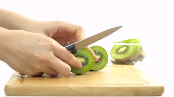 Szeletelés friss kiwi kés