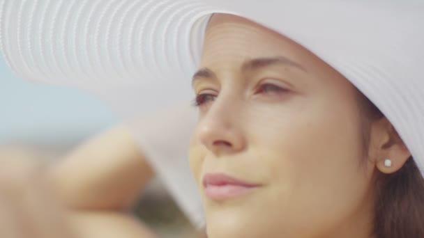 Nő a ocean beach