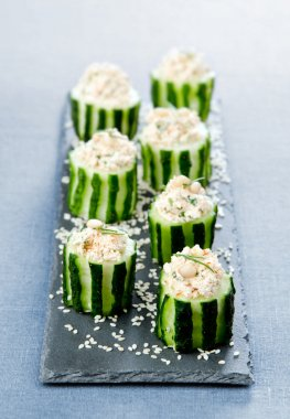 cucumbers with cottage cheese