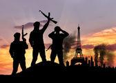Silueta teroristů v městě