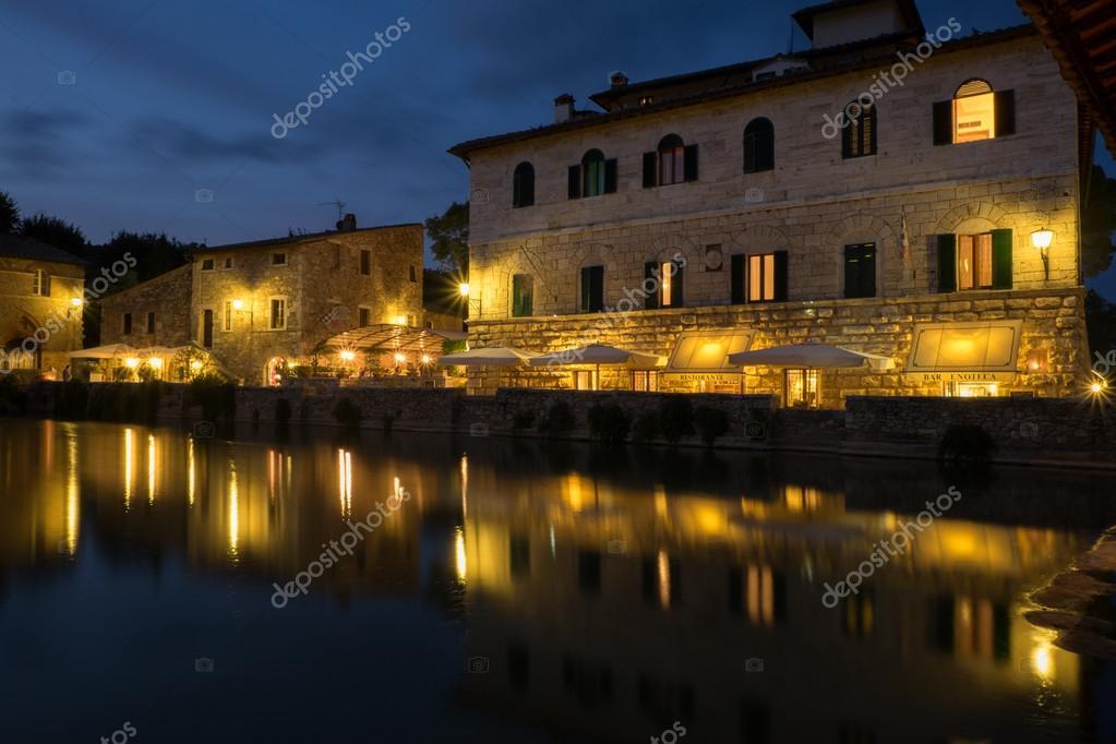 https://st2.depositphotos.com/3345243/10570/i/950/depositphotos_105706248-stock-photo-bagno-vignoni-italy.jpg