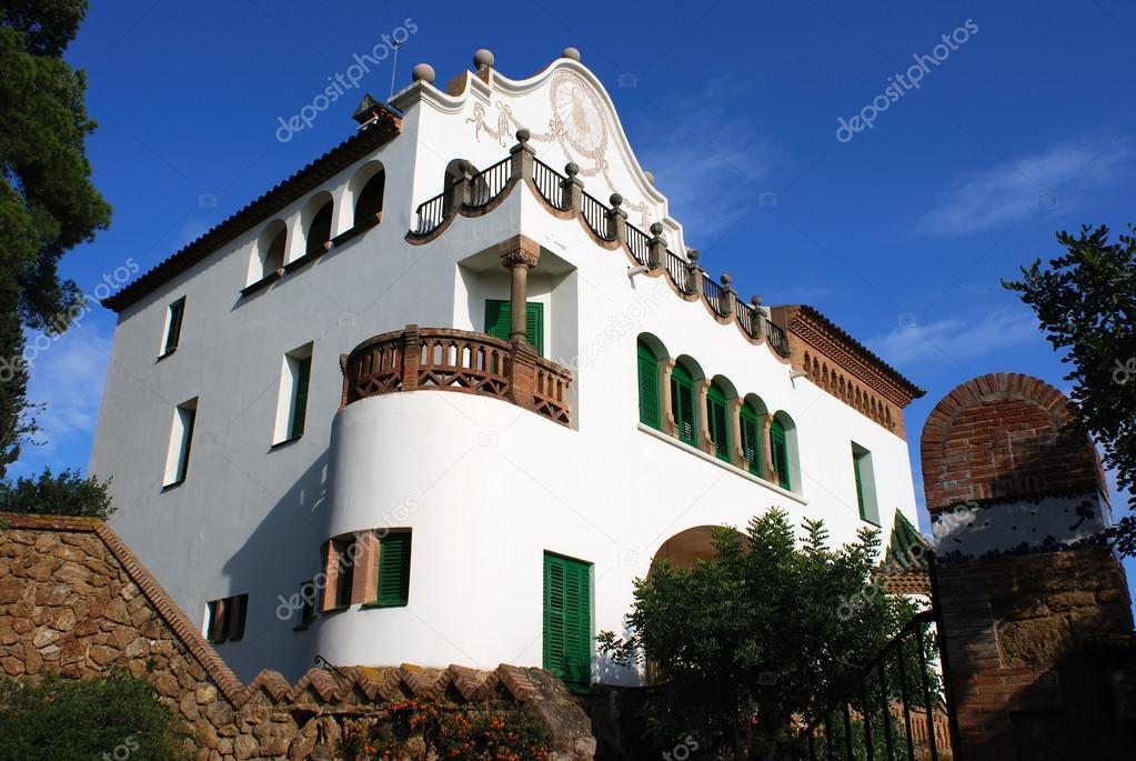 Casas barcelona fotos de stock ramunas 63685463 - Casas baratas en barcelona alquiler ...